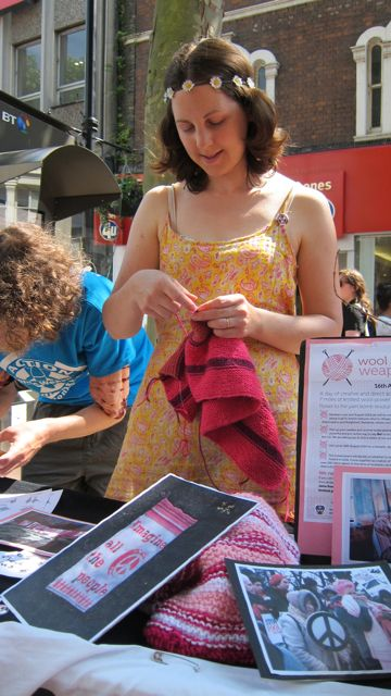 Helen: Wool against weapons, in Reading high street