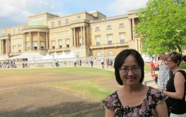 Janet visits Buckingham Palace on preview day.