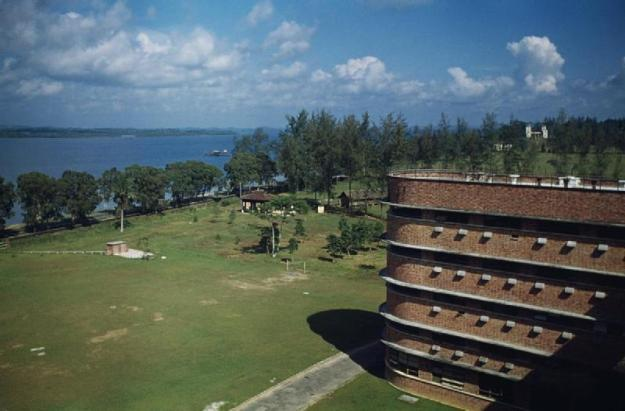 The Johore Bahru Hospital, Malaya MALAYA (Circa 1950s). © IWM (TR 3489)