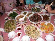 Our Chinese relatives prepared the most sumptious meal to welcome my mother.